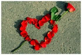 Статусы с намеком на любовь